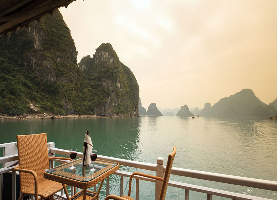 golden-bay-cruises-halong-view