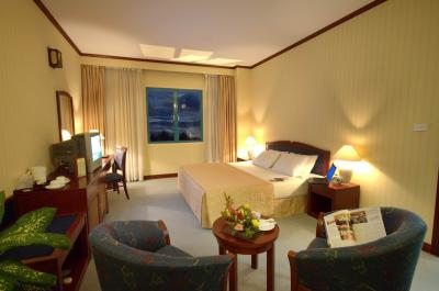 Deluxe-King-Bed-Room