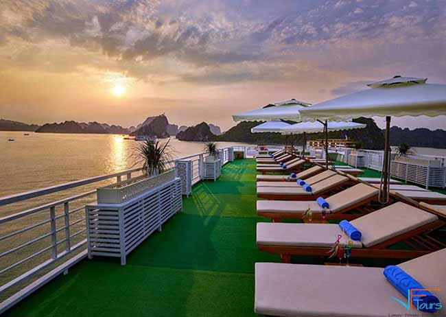 alisa-cruise-halong-sundeck-view