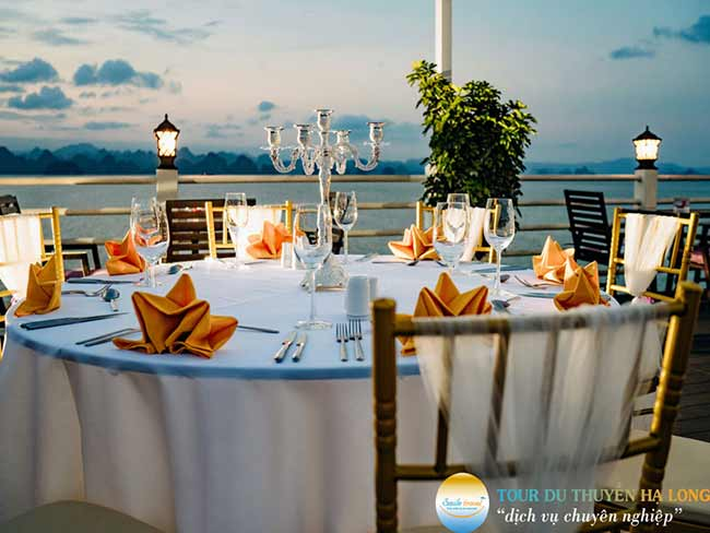 second-floor-restaurant-athena-elegance-cruise