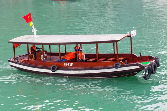 signature-halong-cruise-tender