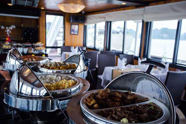 syrena-cruises-halong-bay-Lotus-Restaurant-Buffet