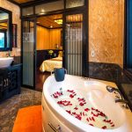 victory-star-cruise-bathroom