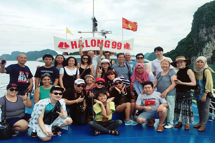 halong-1day-tour-from-hanoi-smiletravel