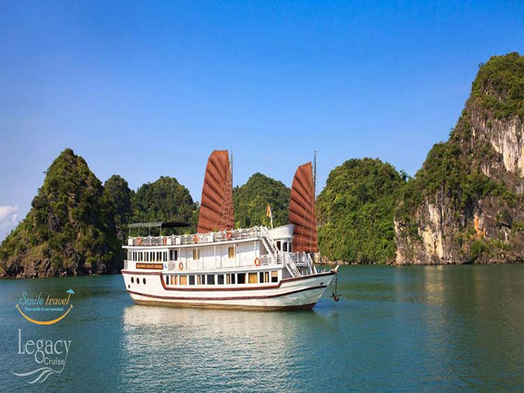 Du thuyền Legacy Legend Cruises - smile travel
