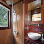 bathroom-Halong-legacy-legend-cruises-smiletravel