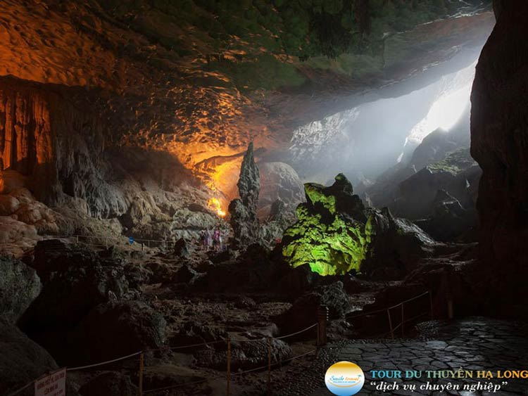 cave-halong-silversea-cruise