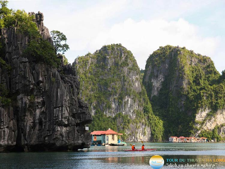 halong-silversea-cruise-kayaking