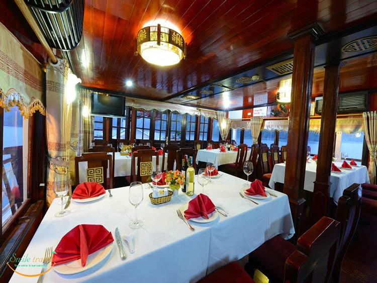 imperial-legend-cruise-halong-restaurant