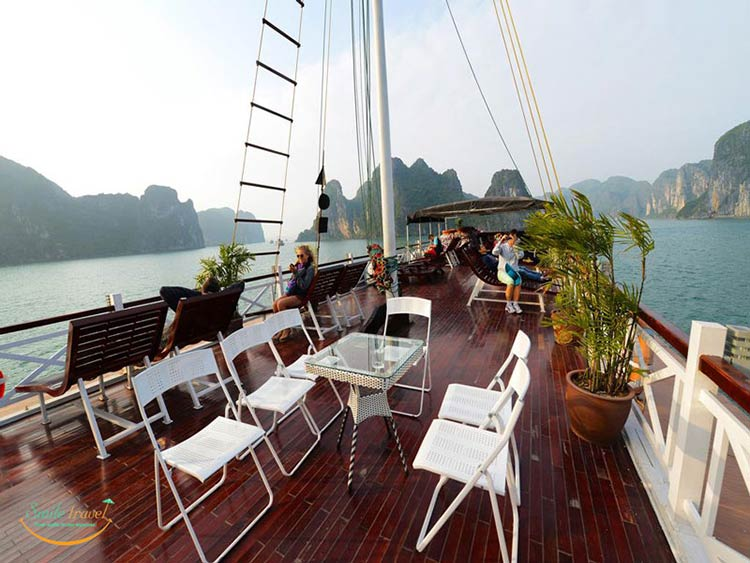imperial-legend-cruise-halong-sundeck