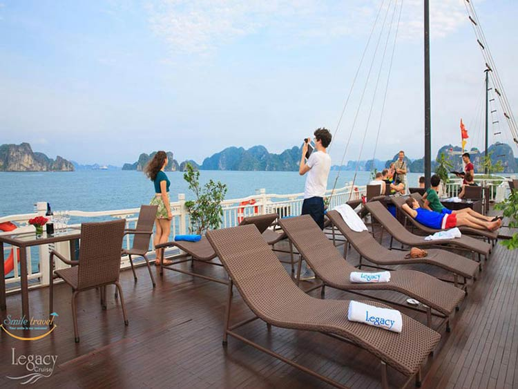 sundeck-Halong-legacy-legend-cruises-smiletravel