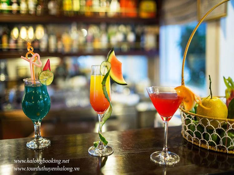 Bellezza-Cruises-Halong-drink