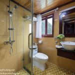 Majestic-Halong-Cruise-bathroom-smiletravel