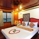 rose-cruise-halong-double-cabin-smiletravel
