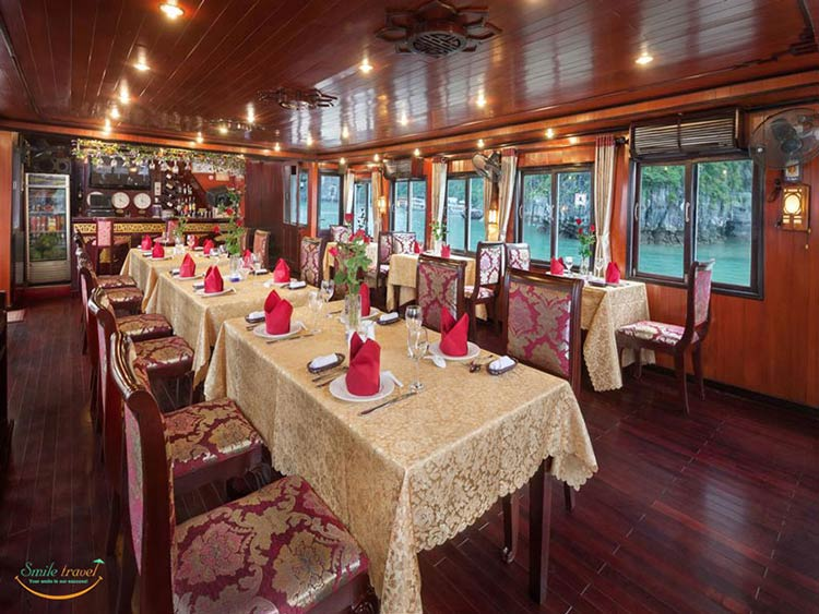 rose-cruise-halong-restaurant