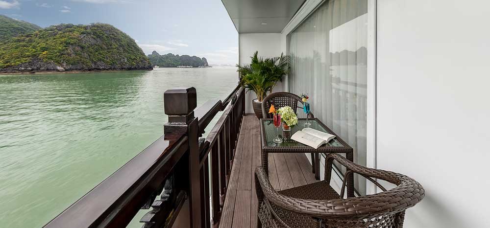 family-connecting-suite-with-terrace-5