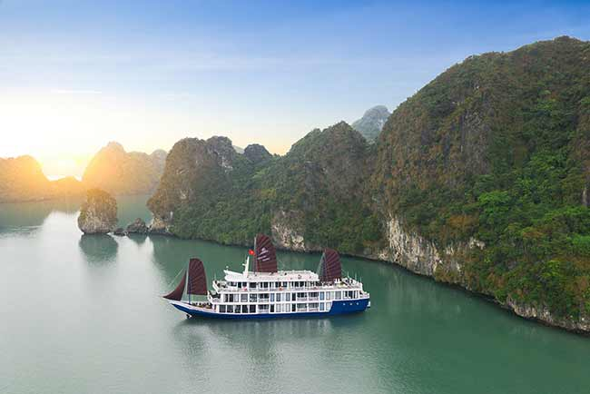 Du thuyen ha long O'Gallery Lotus Cruise