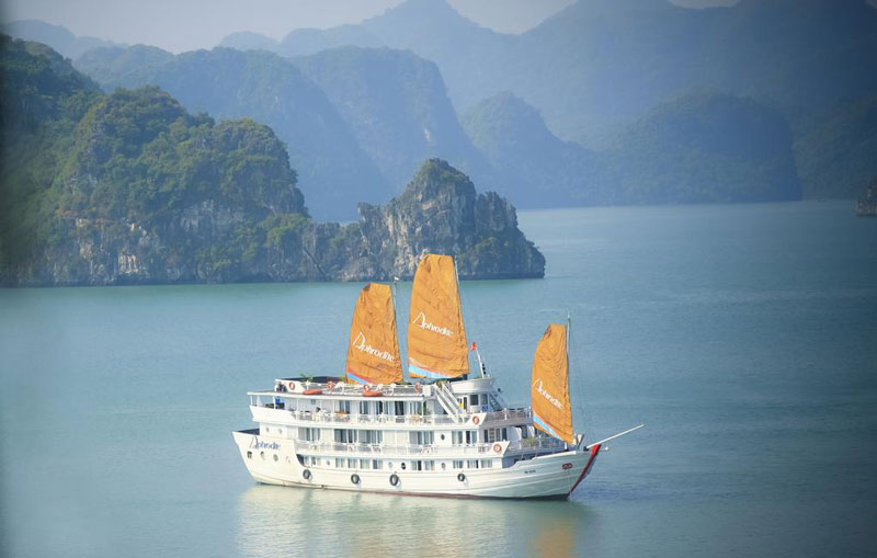 Aphrodite-Cruise-halong-overview