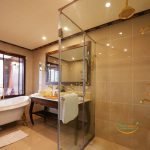 indochine-cruise-president-suite-bathroom-smile-travel1