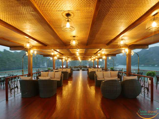 indochine-cruise-sundeck22-smile-travel