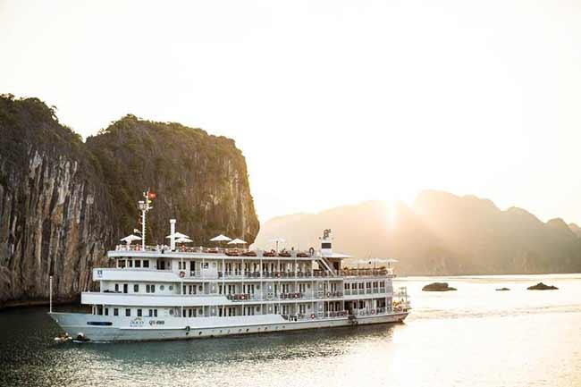 Tour du thuyền Âu Cơ - đón trung thu duy nhất tại Vịnh Hạ Long