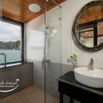 Du-thuyen-Magenta-Cruise-bathroom