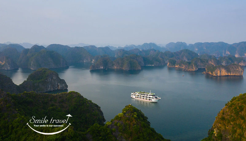Du-thuyen-Magenta-Cruise-over-view