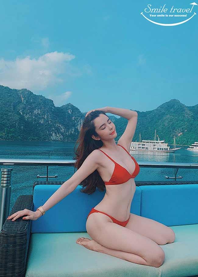 Hoa hậu Du lịch Thế giới 2018 - Huỳnh Vy Khoe Body Nóng Bỏng với Bikini Trên Du thuyền Stellar Of The Seas