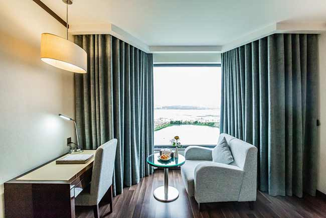 Central Luxury Hạ Long Hotel9