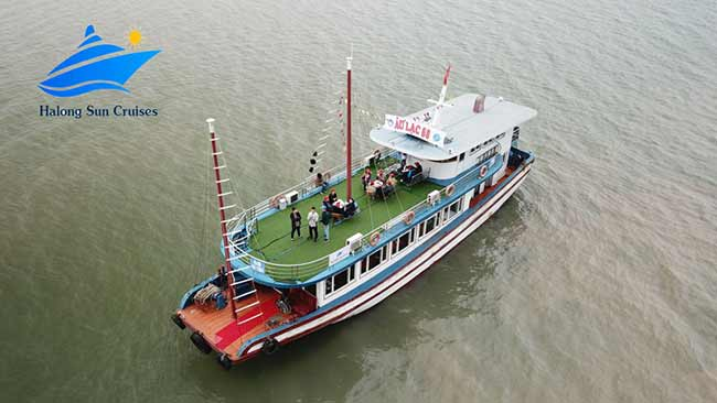 Halong-Sun-cruises-over-view-1