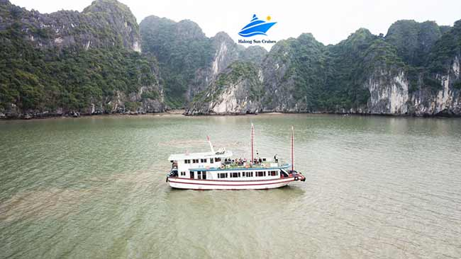 Halong-Sun-cruises-over-view
