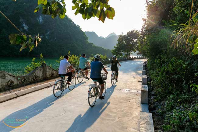 biking-orchid-premium-cruises-halong-bay-smiletravel