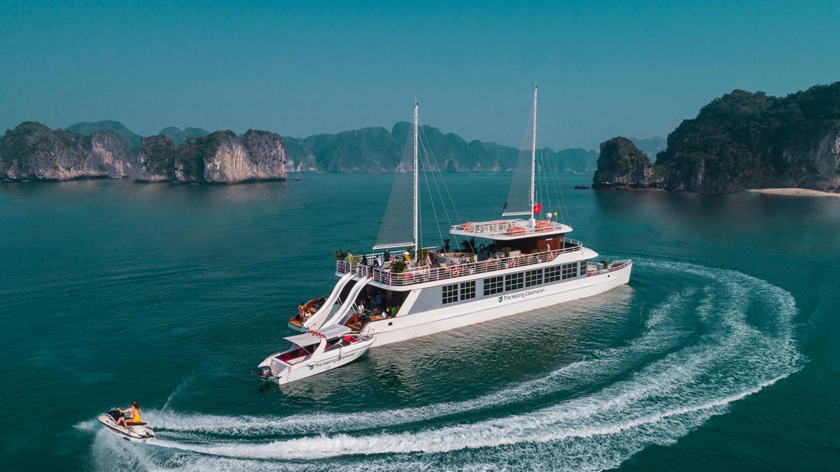 Voucher nghỉ dưỡng 2N1Đ kết hợp Du thuyền 1 ngày Catamaran & Đảo Freedom