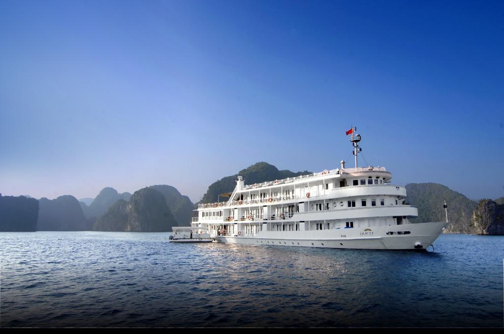 Du thuyền Hạ Long 5 sao sang chảnh Âu Cơ Cruises