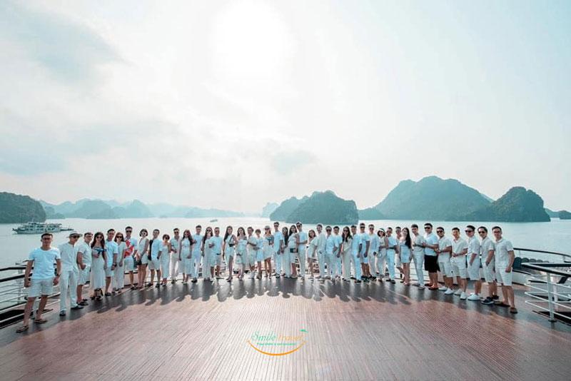 khach-Ambassador--cruises-smiletravel