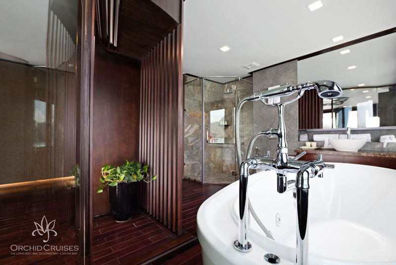 Orchid-cruises-halong-bay-smiletravel-deluxe-suite-double-bathroom